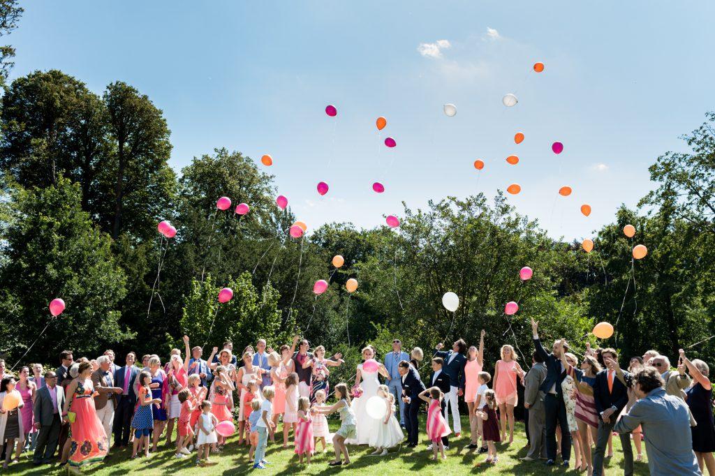 Ballonnen oplaten met de familie