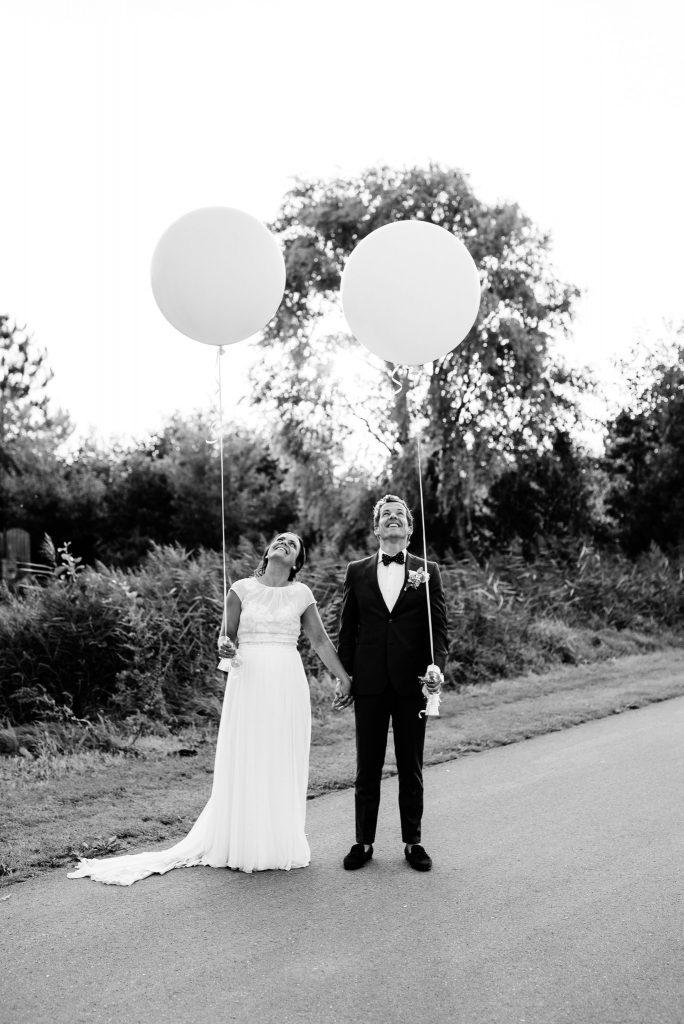 154jasper-hanneke-bruiloft-tuinbruiloft-trouwen-ineigentuin-journalistieke-tijdloze-trouwfotografie-echt-nononsense-min